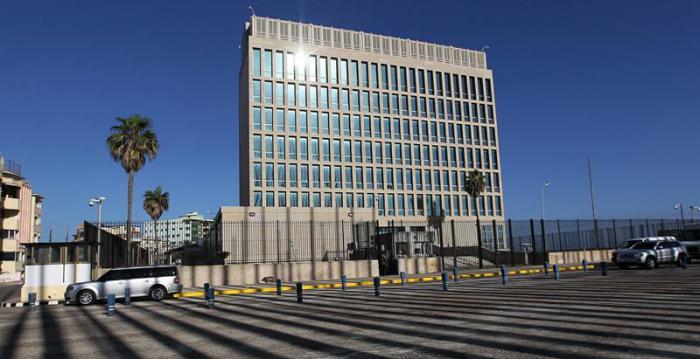 Cuba considera precipitada decisión estadounidense de recortar personal diplomático en La Habana