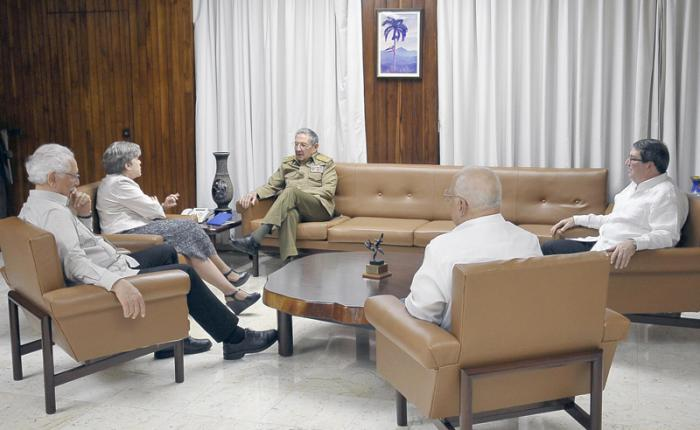 Raúl Castro receives the Executive Secretary of ECLAC
