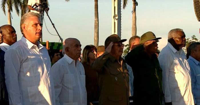 Presidió Raúl Castro homenaje al Che y sus compañeros en Villa Clara