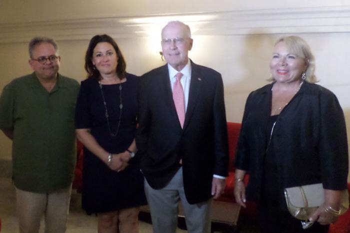 Delegación estadounidense participa en reunión de negocios en Cuba