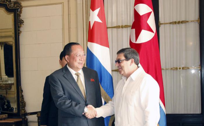 Recibió canciller cubano a su homólogo de la República Popular Democrática de Corea