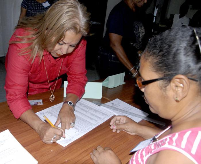 Teresa Amarelle Boué, Miembro del Buro Politico, Secretaria General de la FMC,Colegio Electoral Nro.3, 1 y 16, Playa.