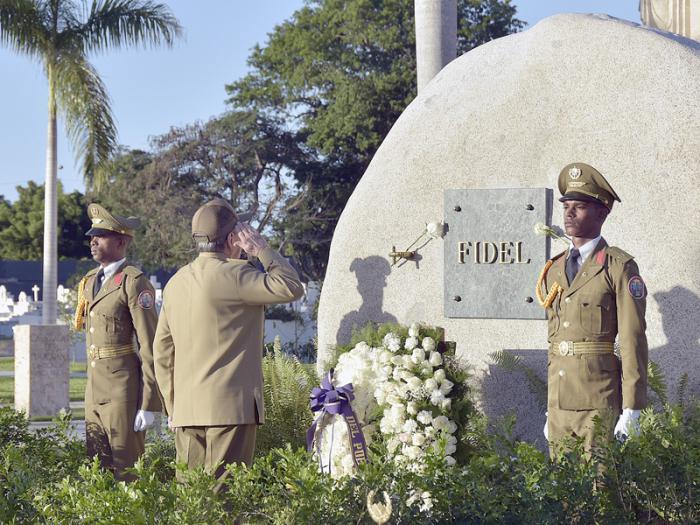 Presidió Raúl ceremonia de homenaje al líder histórico de la Revolución Cubana