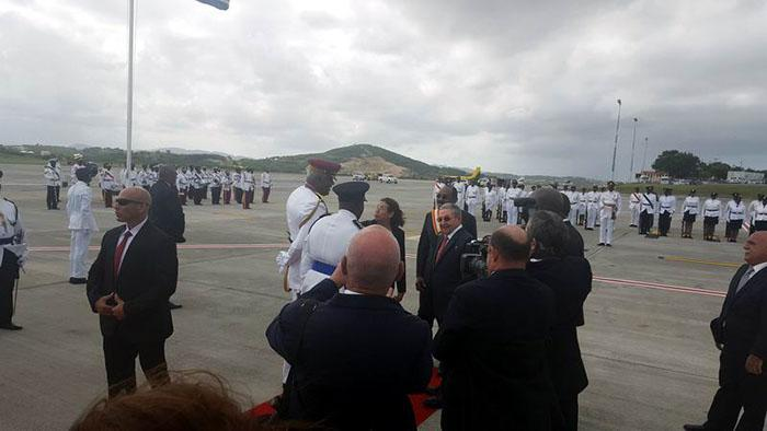 Raul Castro arrives in Antigua and Barbuda for Summit