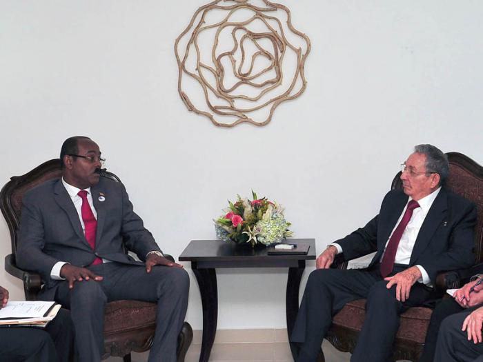 Realiza  Raúl Castro visita oficial a Antigua y Barbuda (+ Audio)