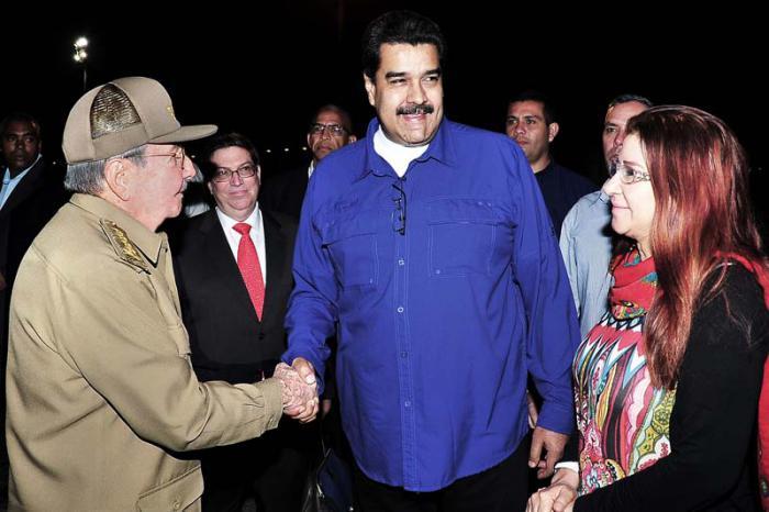 Despidió Raúl Castro a Nicolás Maduro en La Habana