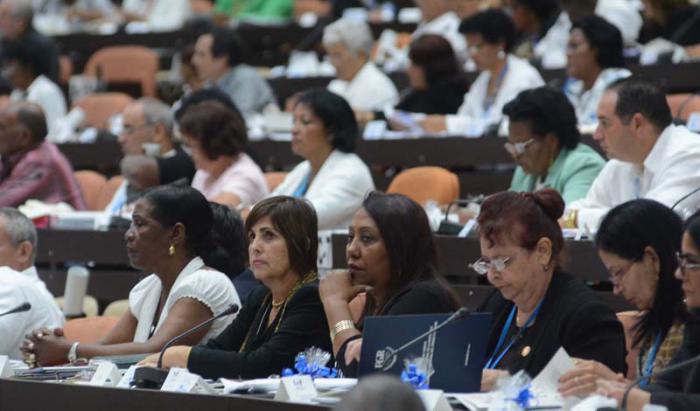 Más cubanas en el ejercicio del poder del pueblo