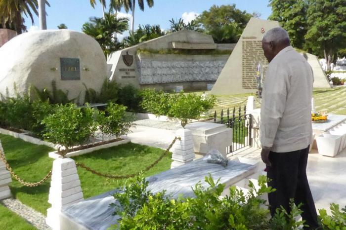 Esteban Lazo rindió homenaje a patriotas cubanos