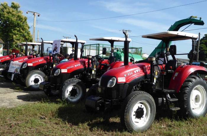 Mejora La Maquinaria Agrícola Cuba Granma órgano