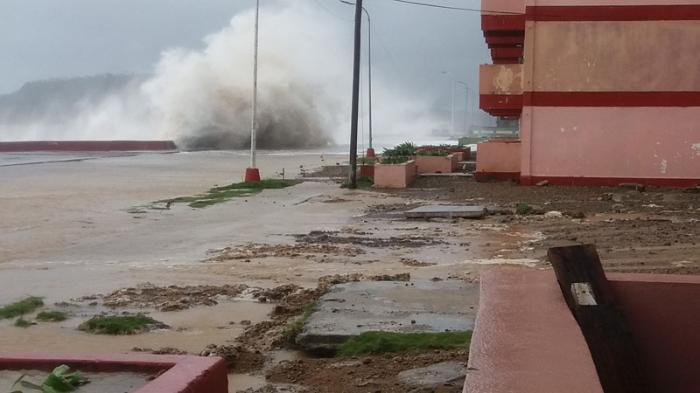 Atentos en extremo oriental de Cuba ante intensas lluvias