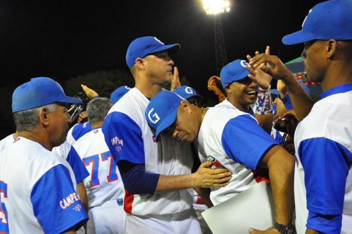 Lázaro-Blanco-Alazanes-Béisbol-Cuba