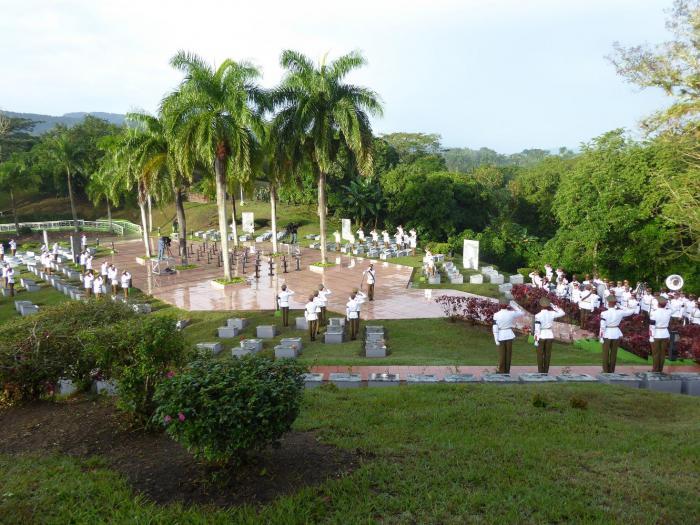 De los 232 nichos con que cuenta el mausoleo, ahora suman 74 los ocupados. fotos: Eduardo Antonio Palomares