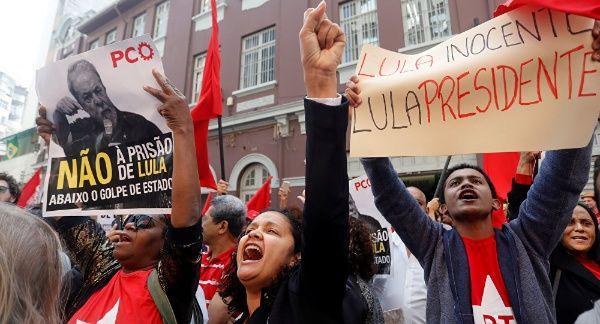 Movilización popular en Brasil para apoyar a Lula da Silva.