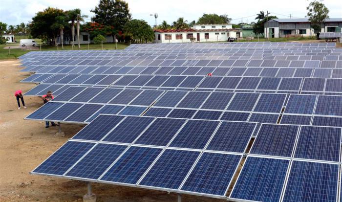 Construyen en Camagüey tres nuevos parques fotovoltaicos