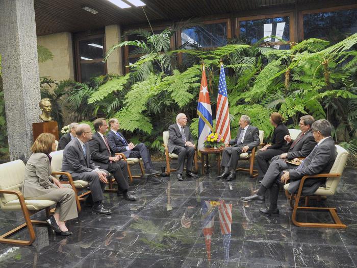 Recibió presidente cubano Raúl Castro a delegación del Congreso de Estados Unidos