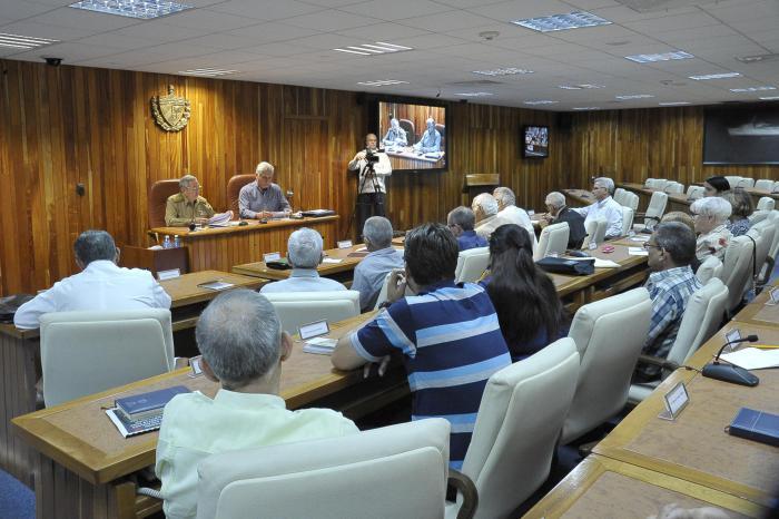 Raúl y Centro de Estudios Sobre Fidel