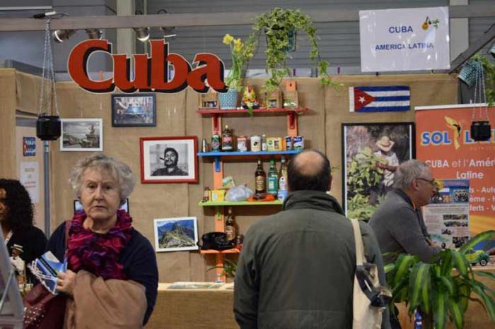 stand de Cuba en Salon Mundial