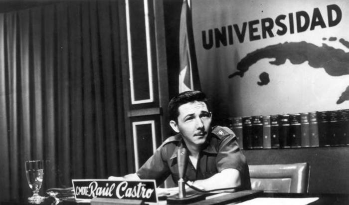 Ejemplo de eternos jóvenes universitarios, así definió el Presidente de la feu a los Delegados de Honor.