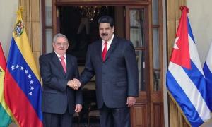 Raúl y Maduros durante la XV Cumbre del ALBA-TCP