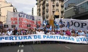 Segundo día de paro nacional de maestros en Argentina