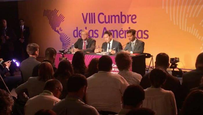 En Cumbre sobre corrupción, Marco Rubio se niega a responder si continuará recibiendo dinero de los lobbys de armas
