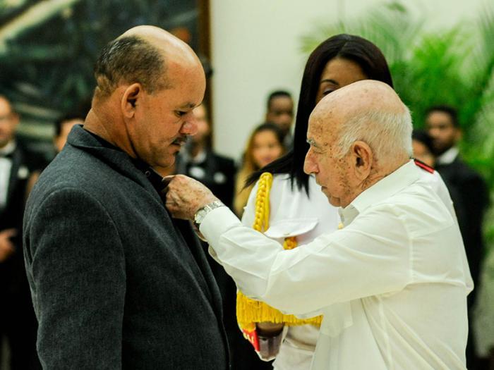 Jose R. Machado Ventura delivered the high decorations.