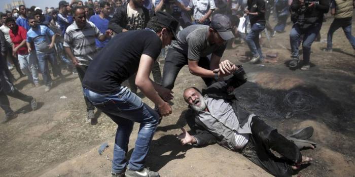 La comunidad internacional criticó la decisión del  presidente de Estados Unidos, Donald Trump, de trasladar su embajada de Tel Aviv a Jerusalén, que provocó una serie de protestas y dejó decenas de muertos y miles de heridos.