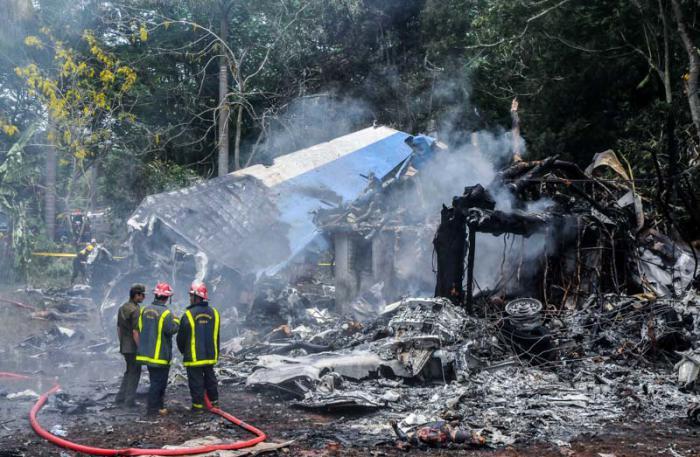 Llegan a Holguín cuerpos de las víctimas del accidente aéreo
