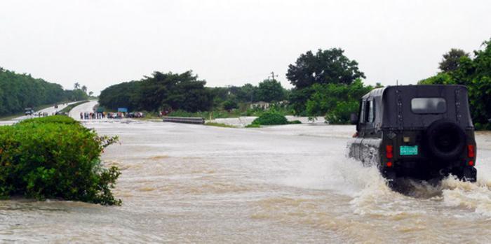 Evalúan autoridades en Cuba afectaciones por intensas lluvias