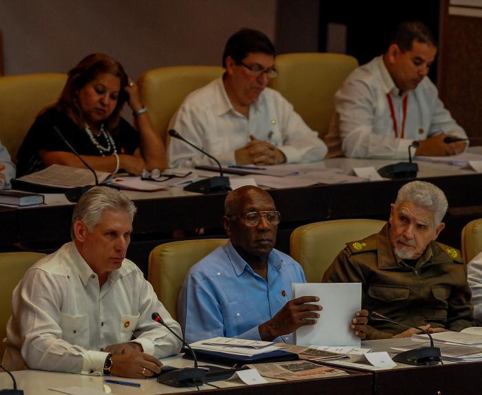 Convocada por el Consejo de Estado, la sesión extraordinaria de la Asamblea Nacional del Poder Popular tiene lugar en el Palacio de Convenciones de La Habana.   Miguel M. Díaz-Canel Bermúdez, Presidente de los Consejos de Estado y de Ministros de la República de Cuba, Preside la Asamblea
