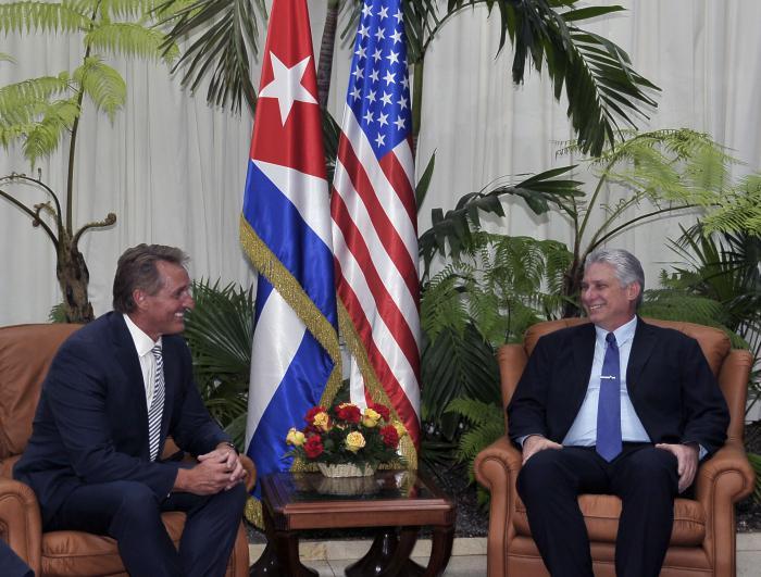 Recibe Díaz-Canel a senador estadounidense y al presidente de Google