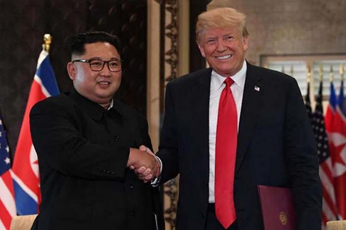 Pactan Kim y Trump mejorar nexos y desnuclearizar la península coreana.