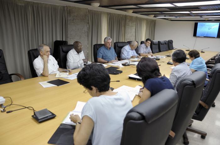 Chequean situación del empleo en Cuba
