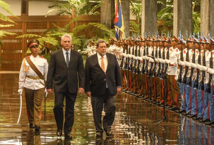 Díaz-Canel felicita a Primer Ministro de San Vicente y las Granadinas por su reelección (+ Tuits)