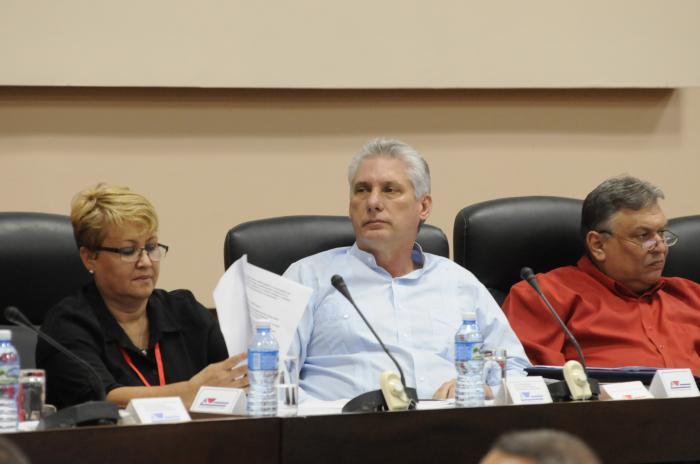 Preside Díaz-Canel sesión final del Congreso de los periodistas cubanos