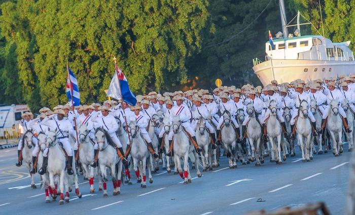 Desfile, revista militar y marcha del pueblo combatiente por la Plaza de la Revoluciòn Josè Martì con motivo del 60 Aniversario del Desembarco de los espedicionarios del Granma y dìa de Las FAR.