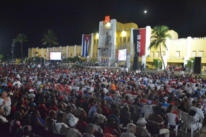 SANTIAGO DE CUBA-MOMENTOS ANTES DEL INICIO DEL ACTO CENTRAL