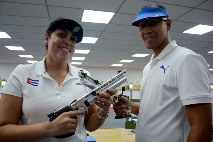 Dupla mixta de pistoleros cubanos se lleva el oro de Barranquilla