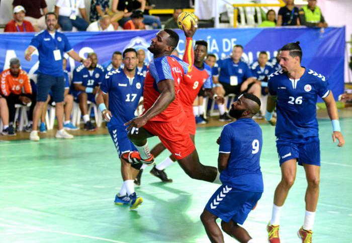 Balonmano cubano (m) sube a lo más alto del podio en Barranquilla