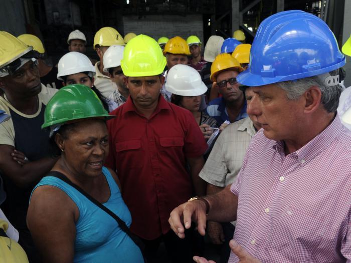 Miguel Diaz-Canel visite des entreprises et des institutions scientifiques de La Havane