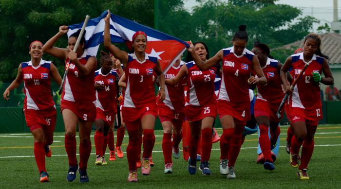 Las muchachas del hockey fueron fiel reflejo del arrojo de la delegación cubana. foto: ricardo lópez hevia