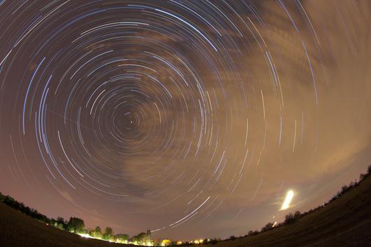 Todas las Perseidas tienen algo en común. Su zona de entrada en el cielo está en una región próxima a la constelación de Perseo