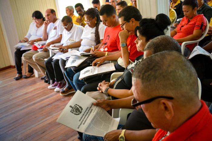 CUBA-HOLGUIN-COMENZO CONSULTA POPULAR DE PROYECTO DE CONSTITUCIO