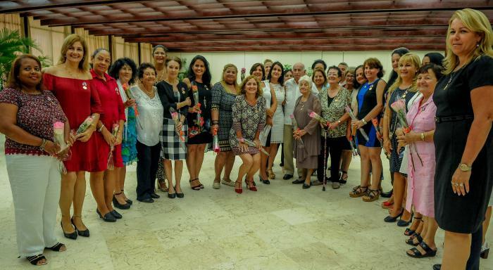 Reconocen a cubanas destacadas en varias esferas de la sociedad