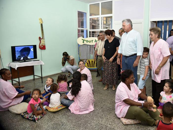 Díaz-Canel recorre sitios de interés socioeconómico en la capital cubana (+ Fotos)