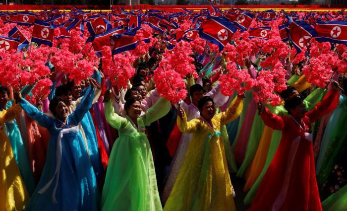 Más de un millón de coreanos desfilaron este domingo por el aniversario 70 de la RPDC.