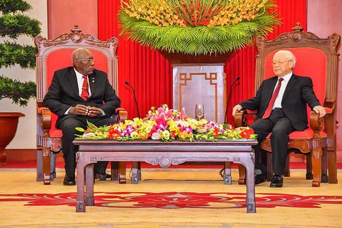 Recibió líder partidista vietnamita a primer vicepresidente cubano