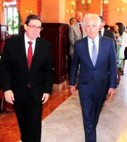 Canciller cubano recibió al presidente del Comité de Relaciones Exteriores del Senado estadounidense
