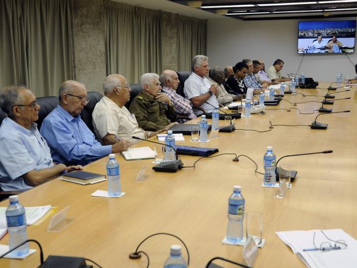 Evalúa Gobierno cubano medidas adoptadas en el occidente  del país ante la actual situación climatológica