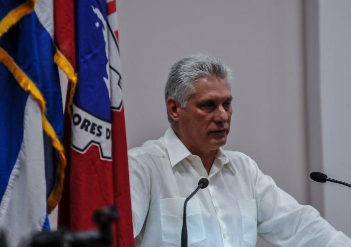 Llama Díaz-Canel a defender la cubanía y la política cultural de la Revolución